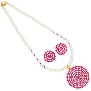 Rakhi Gifts to India, Red Circular Shape Pearl Pendant Set